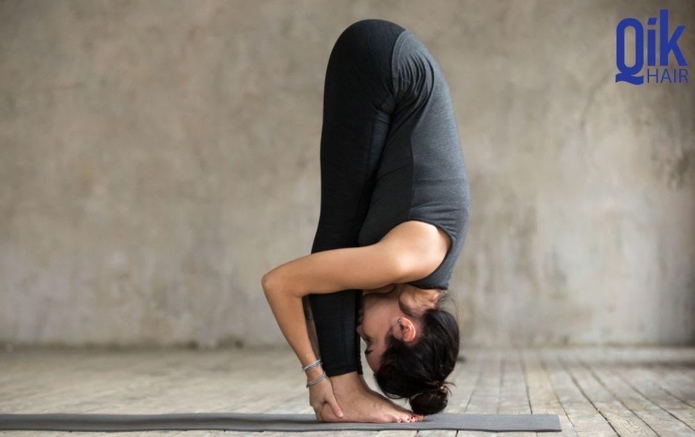 tu the tap yoga giam rung toc Uttanasana