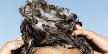"""6 thói quen khiến tóc """"một đi không trở lại"""""""