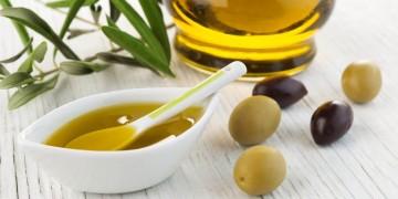 Bí ẩn cách giúp làm tóc mọc nhanh dày với dầu Oliu