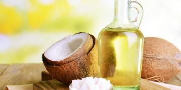 """Công dụng và cách sử dụng dầu dừa """"hồi sinh"""" tóc"""