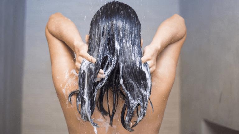 видео где красотки моют голову как